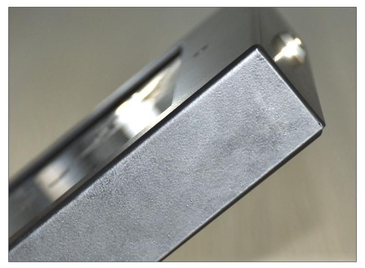 加固全金属外壳平板